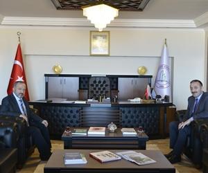 Zonguldak Emniyet Müdürü Ahmet Metin Turanlı, Rektörümüz Prof. Dr. Mustafa Çufalı'yı makamında ziyaret etti. https://t.co/ls1m7hGs0q
