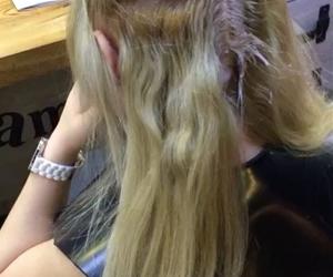 Sizi mutlu etmeyi bilen biri var ????????? @frameokan_hairstyle #doğal #ışıltı #renk #kesim #makyaj #bebekkumralı #gelinsaçı #olaplex #yazmodası #makeup #manikür #saçbakımı #topuz #mucizebakım #perdekaynak #nativebase #botox #makyaj #gelinbaşı #kılteknigi #ipekkirpik #epilasyon #organic #treskaynak #hair #hairstyle #instahair