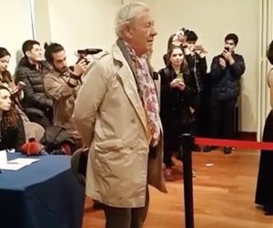 Sir Ian McKellen BÜMK Rock Korosu'nu dinlerken birlikte en duygulu anlarımızdan birini yaşadık?? Our most emotional moment ever, Sir Ian McKellen is listening to BUMC Rock Choir. @ianmckellen @bumkrockkorosu