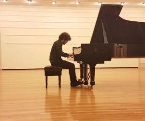Abi en önde seni görünce daha iyi çalmaya çalıştım  dedi. Tabi ki inanmadım;) Bana sorsan bundan iyisi Frédéric Chopin, Ballade in F minor ops 52 no.4 (Bunu yeni öğrendim. Buraya yazmazsam başka bir yerde kullanabileceğimi sanmıyorum:) @tambi_cimuk ????????