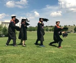 Kepler havaya! ?????? mezun keçilerimiz @ebubekirkarabuga @aycanbasbozkurt @tugrullz #bilkentgoats #ultimatefrisbee #graduation #bilkentgraduation