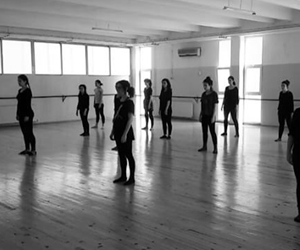 Ege MDDT ailesi olarak 26 Mayis Cuma Günü Prof. Dr. Yusuf Vardar MOTBE Kultur Merkezi'nde, yepyeni bir modern dans performansiyla karsinizdayiz! ???? Detaylar icin instagram ve facebook sayfamizi takipte kalin???? #egemddt #topluluklarege #egeuniversitesi #universiteege #mddt #moderndance #dance #performance #dancetheatre